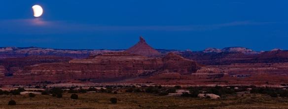 Beginnende Mondfinsternis über Canyonlands